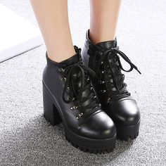 Winter Fashion Lace-up Platform Chunky Heel Black Boots