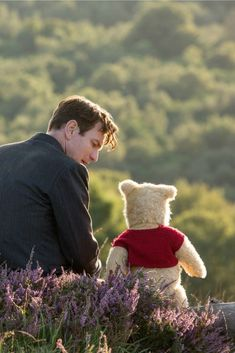 As a lifelong fan of all things Winnie the Pooh, I'm super excited about the brand new Christopher Robin extended video from Disney. Cute Winnie The Pooh, Winne The Pooh, Winnie The Pooh Quotes, Winnie The Pooh Friends, Disney Films, Disney And Dreamworks, Disney Love, Disney Magic, Disney Christopher Robin