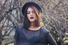 I am really getting into this #grunge #look #love her #hat & #top #fashion