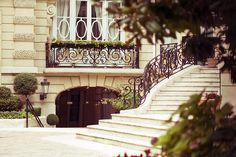 escaleras... flores... ventanas... París
