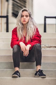 How Billie Eilish & Other Celebs Style Black Jeans – Famous Last Words Josepa SkinCare Oily Skincare Routine Products From The Sea💕 josepaskincare Celebs famous celebrities I like+ How Billie Eilish & Other Celebs Style Black Jeans - denim jeans, bl Billie Eilish, Hottest Female Celebrities, Celebs, Black Celebrities, Beautiful Celebrities, Black And White Outfit, Videos Instagram, Mein Style, Black Denim Jeans