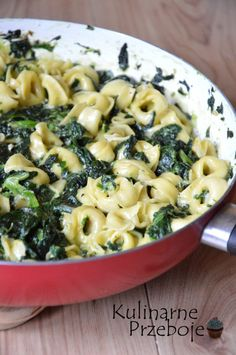 Tortellini in spinach sauce – a quick dinner! Tortellini pasta in spinach sauce, Tortellini with spinach and ricotta, a delicious and quick pasta dinner Tortellini, Helathy Food, Cooking Recipes, Healthy Recipes, Italian Recipes, Food Inspiration, Good Food, Food Porn, Food And Drink