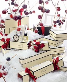 Jo Malone London | Christmas Cracker #FrostedFantasy #GiftGiving