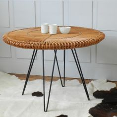 Image of Table ronde rotin vintage