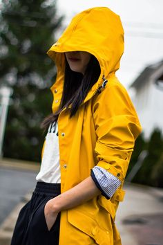 Fast Food & Fast Fashion | a personal style blog: Yellow Raincoat