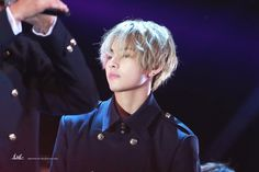 BTS V seo taiji 25th anniversary concert - gosh he looks so freaking hot, i wish he has that hairstyle still for the comeback TT TT