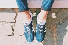 Photo Shooting Sneakers & Breakfast x Foot Locker - Adidas Gazelle II.  #sneakers #streetwear #streetstyle #sneakersandbreakfast #sneakersmagazine #magazine #zapatillas #adidas #adidasgazelle #gazelle #footlocker