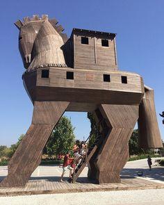 Caballo de Troya. #turquiaturismo #turquia #troya #turismo #viajes #viaje #viajero #viajeros #instaviajes #instaturismo #instatravel #travel #fotodeldia #foto #picoftheday #photooftheday