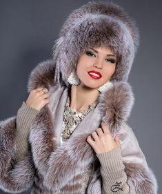 Grey fur coat and matching hat. Russian Beauty, Russian Fashion, Beige Outfit, Leder Outfits, Fur Accessories, Fur Clothing, Fabulous Furs, Fur Wrap, Fox Fur Coat