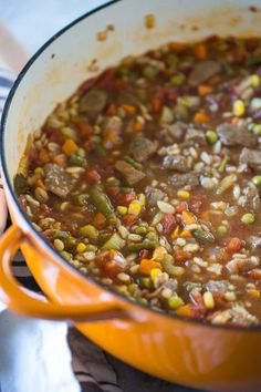 Send your kids out this Halloween with a belly full of wholesome vegetable beef barley soup when they go trick-or-treating this year. Fall Soup Recipes, Healthy Soup Recipes, Chili Recipes, Vegetable Beef Barley Soup, Snacks Under 100 Calories, Healthy Sweet Snacks, Clean Eating Snacks, Eating Healthy, Healthy Food