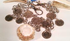 #Charivari nr.1720 super schönes #Chari aus #Geweihstücken und Rose mit handversilberten #Münzen     Massiv mit Karabinerhaken    # Geweihstücke / Rose sehr schön und präzise ausgearbeitet     mit handversilberten Münzen     #Hornstücke Lässt sich auch sehr schön am #Dirnd´l tragen #UNIKAT #Schmuck by #helenehoelle.de