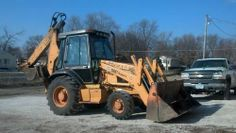 """1999 Case 580 Super L -1999 Case 580 super L extend-a-Hoe, 4x4, heat, A/C radio, 4-n-1 Clam bucket, and ride control. Everything works great. Starts great in cold weather. Recent hydraulic fluid and oil changes with new filters. Comes with 12"""", 18"""" 24"""" 36"""" buckets and set of forks. Looking to buy a newer machine. - See more at: http://www.heavyequipmentregistry.com/heavy-equipment/11801.htm"""