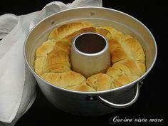 Pane sfogliato nel fornetto Versilia Cucina vista mare Bread Recipes, Cooking Recipes, Pizza, Herd, Biscotti, Nutella, Food To Make, Buffet, Bakery