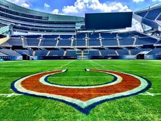 Chicago Bears Nfl Bears, Bears Football, Football Baby, Chicago Bears Wallpaper, My Kind Of Town, Chicago Style, Baseball Field, Cubs, Sports Teams