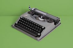The very first model version of the cult Hermes Baby typewriter!