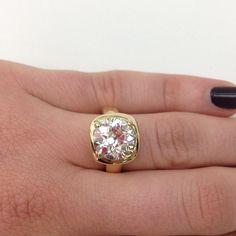 Happy Wednesday diamond lovers! This baby has 4.35 yummy carats ! #ido #diamonds #amazing #singlestone #love #losangeles #wednesday #happy #jewelry #instajewels #handcrafted @singlestonemissionstreet
