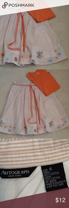 Skirt with FREE t-shirt. Size 6 Cotton skirt fully lined. Zips in back . T-shirt size M. Autograph Skirts