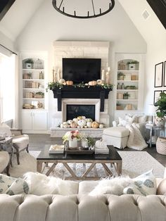 - With shabby chic an owner can have a frilly lamp covered in beads, and a sturdy bookshelf with paint chipped away, yet somehow it all manages to tie i...