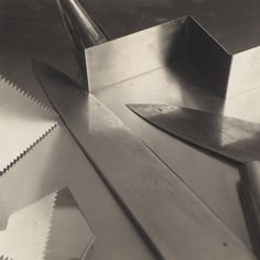 Jan Groover. Untitled. 1983. Gelatin silver print, 10 3/16 × 13 1/2″ (25.9 × 34.3 cm). The Museum of Modern Art, New York. Promised gift of Robert B. Menschel. © 2016 Jan Groover