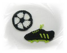 SaVö-Design - Fussball-Set (Ball mit Schuh)  100% Baumwolle, waschbar bis 40 Grad Zum Aufnähen, Applizieren auf Kinderkleidung, Jeans, Jacken, Mützen, Kissen, Decken, Taschen, Schultüte,Kindergartentasche, Vorhänge, zur Deko usw.