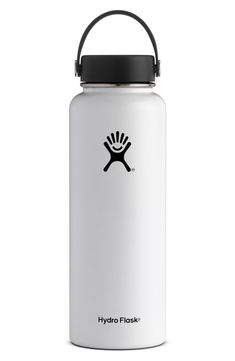 18 oz Wide Mouth Vacuum Insulated Water Bottle from Hydro Flask. This mid-size bottle is the perfect travel companion for your everyday needs. Hydro Flask 40 Oz, Hydro Flask Water Bottle, Insulated Water Bottle, Birthday Wishlist, Birthday List, Birthday Presents, Birthday Ideas, Birthday Club, Birthday Stuff