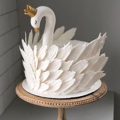 Pretty Cakes, Cute Cakes, Beautiful Cakes, Yummy Cakes, Amazing Cakes, Beautiful Swan, Impossible Cake, Cake Designs Images, Dragon Cakes