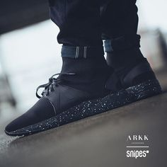 Combining global streetwear with Nordic craftsmanship and design, ARKK Copenhagen makes comfortable, versatile lifestyle sneakers for thoughtful individuals who never stand still. Arkk Copenhagen, Shoe Story, Urban Fashion, All Black Sneakers, Street Wear, Footwear, Boots, Accessories, Beautiful