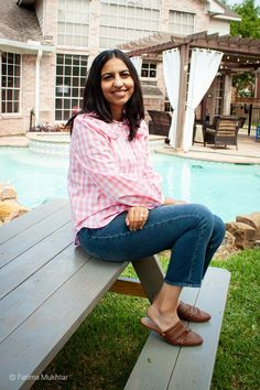 Modest and cute summer mom outfit: pink gingham oversized collar blouse and mom jeans. Modest Summer Outfits, Summer Outfits For Moms, Mom Outfits, Spring Outfits, Women's Jeans, Mom Jeans, Dressy Flats, Warm Weather Outfits, Pink Gingham