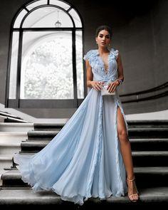 Muita leveza na escolha de Camila Coelho para o casamento de Marina Ruy Barbosa. O modelo de chiffon em alta costura é Ralph & Russo