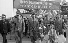 Хроника cоветского Первомая / Назад в СССР / Back in USSR