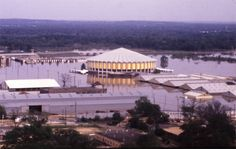 jackson ms coliseum The 1979 Pearl River flood at Jackson, Mississippi. Jackson Mississippi, Mississippi State, Delta Girl, Pearl River, Historical Pictures, Abandoned Places, Small Towns, Old Photos, Places To See