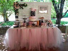 Mesa dulce con detalles en pizarra
