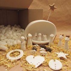 [CAJA DE NAVIDAD] Nacimiento #handmade en Zaragoza. ¡Toda la Navidad en una sola Caja! #Decoración #MadeInSpain #CajasDeTemporada #Emociónate #100to14 #DecoraciónComprometida