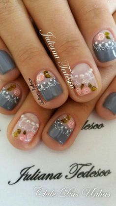 Super nails art rose et gris ideas Gorgeous Nails, Love Nails, Romantic Nails, Rose Nail Art, Trendy Nail Art, Super Nails, Simple Nails, Manicure And Pedicure, Diy Nails