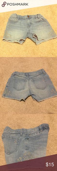 Jessica Simpson cut off shorts Used, Jessica Simpson cut off shorts. Elastic bands for easy adjustment on inside if shorts Jessica Simpson Bottoms Shorts