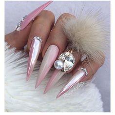 Nude pink ombré stiletto nails chrome nail design swarovski bling pom pom n Chrome Nails Designs, New Nail Designs, Black Nail Designs, Art Designs, Design Ideas, Swarovski, Nails Design With Rhinestones, Nail Charms, Nail Jewelry