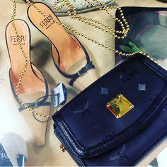 Inside Resales  Vintage Accessoires für Damen    Schon ab 29,90€ !✨ Jetzt in deinem Resales  https://www.resales.de
