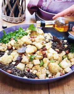 Puur genieten - Pascale Naessens - Bloemkool en knolselder met linzen, hazelnoten en hazelnootolie