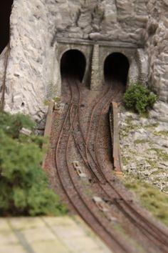 N Scale Train Layout, Model Train Layouts, Ho Model Trains, Ho Trains, Ho Train Track, Ho Scale Buildings, Train Tunnel, Model Railway Track Plans, Garden Railroad