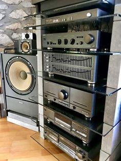 used high end audio equipment for sale – Bernd☆SGE☆… – Pierrel Bunn – Audioroom Home Audio Speakers, Audiophile Speakers, Audio Room, Hifi Stereo, Hifi Audio, Wireless Speakers, Home Theater Sound System, Home Theatre Sound, Equipment For Sale