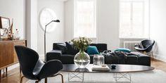 Post: Así vive la jefa de diseño de H&M Home --> aparador danés, Elliptical Table ETR Charles & Ray Eames, estilo nórdico, H&M Home, mid centruy modern, muebles de diseño, muebles eames aalto, sillones Swan de Arne Jacobsen