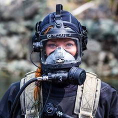 Post with 33 views. Scuba Diving Mask, Women's Diving, Diving Suit, Scuba Diving Pictures, Scuba Wetsuit, Gas Mask Girl, Rubber Catsuit, Scuba Girl, Full Face Mask