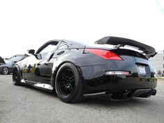Nissan 350Z- We had 1 of these. looks just like the one we got rid of :( wish we could get our 350Z Nismo back!