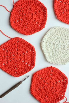 Free basic crochet hexagon pattern. Super clear step-by-step photo tutorial. This pattern can be used to make any size hexagon for pillows, rugs, patchwork afghans or even clothes. | MakeAndDoCrew.com