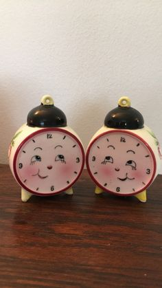 Vintage Anthropomorphic Rosy Cheek Clock Salt & by Vintage Dishes, Vintage Kitchen, Vintage Items, Salt N Pepper, Salt Pepper Shakers, Unusual Clocks, American Girl Doll Pictures, Remembering Mom, Number 10
