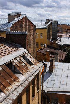 Alexander Ivanov - Питер. Крыша на Пушкинской.