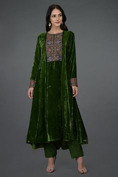 A Global Luxury Design House reinterpreting Indian heritage threads for the modern, discerning consumer Pakistani Dress Design, Pakistani Dresses, Indian Dresses, Indian Outfits, Velvet Suit Design, Velvet Dress Designs, Frock Fashion, Fashion Dresses, Dress Outfits