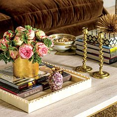 Coffee table style from Southern Living Large Coffee Tables, Brass Coffee Table, Coffee Table Styling, Coffee Table Books, Decorating Coffee Tables, Coffee Mugs, Decorating Tips, Interior Decorating, Interior Design