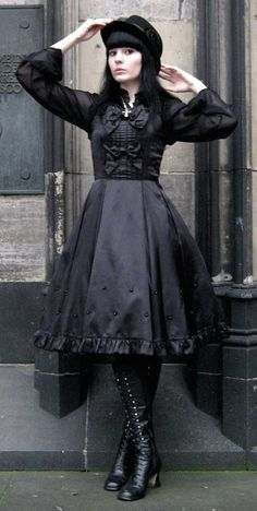 Gothic lolita, ✝Gothic Look ✝ Saved By Denna Selas☾ Estilo Lolita, Gothic Lolita Fashion, Gothic Outfits, Harajuku, Mori Girl, Mode Lolita, Lolita Style, Victorian Goth, Modern Victorian