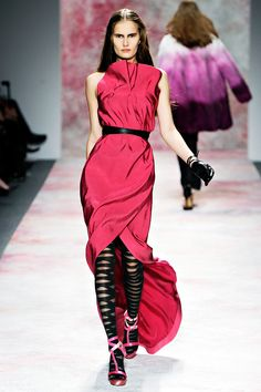 i really dont like the choice of shoes but this dress is gorgeous.  prabal gurung fall 2011